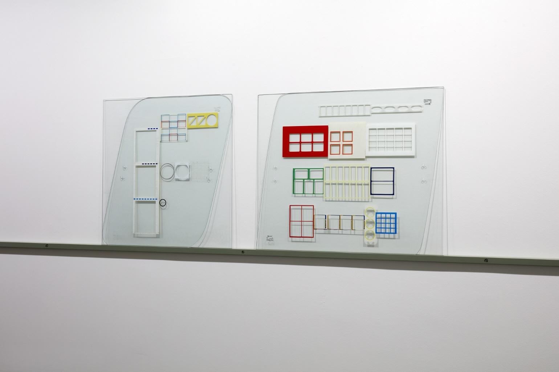 Adhesivo 7 (Arquitectura), 2000