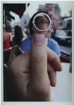 Dedo con anillo