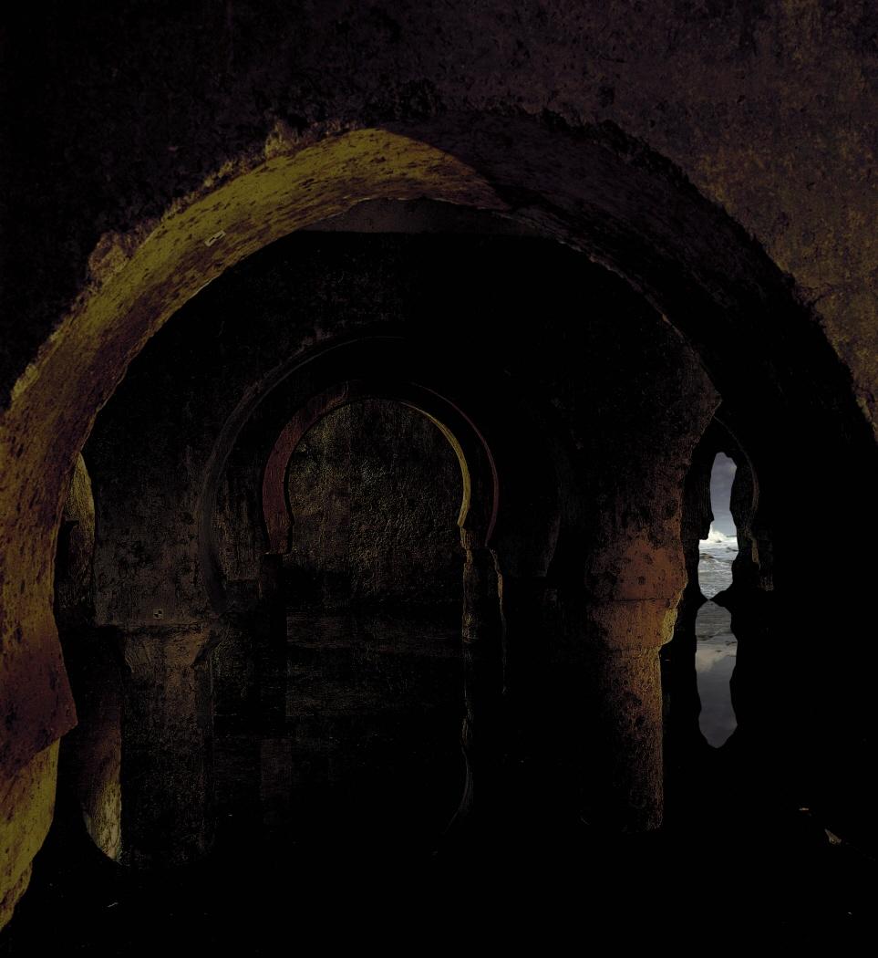 Interiores, 2001