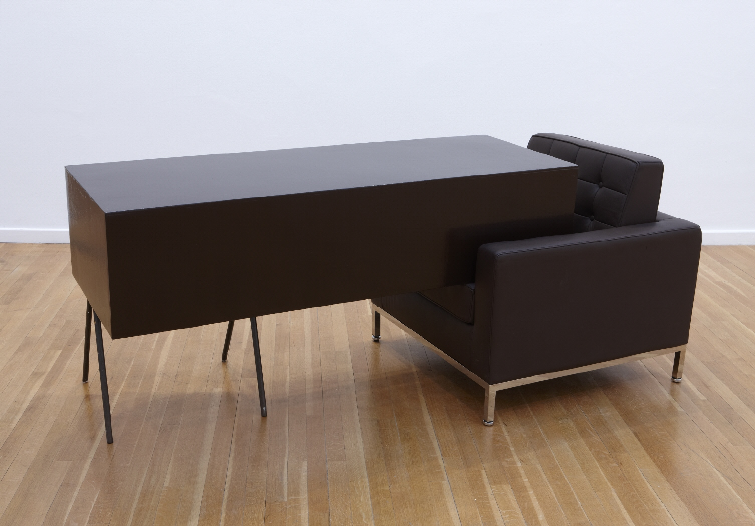 Transfer with arm-chair (Brown), 2010